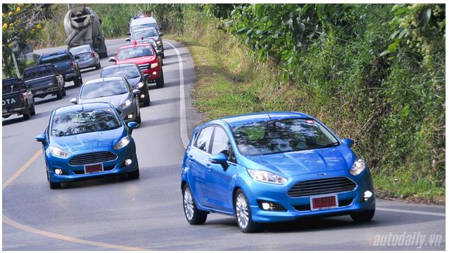 Lượng ôtô nhập khẩu vào Việt Nam tăng mạnh trong năm vừa qua