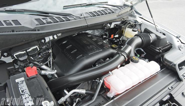 Chiếc F-150 2015 đầu tiên về Việt Nam sử dụng động cơ EcoBoost V6 3.5L.