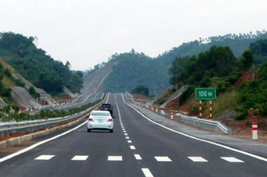 Các phương tiện khi tham gia giao thông được tăng tốc vượt tốc độ tối đa 10km